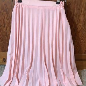 Dresses & Skirts - Pink ruffled skirt